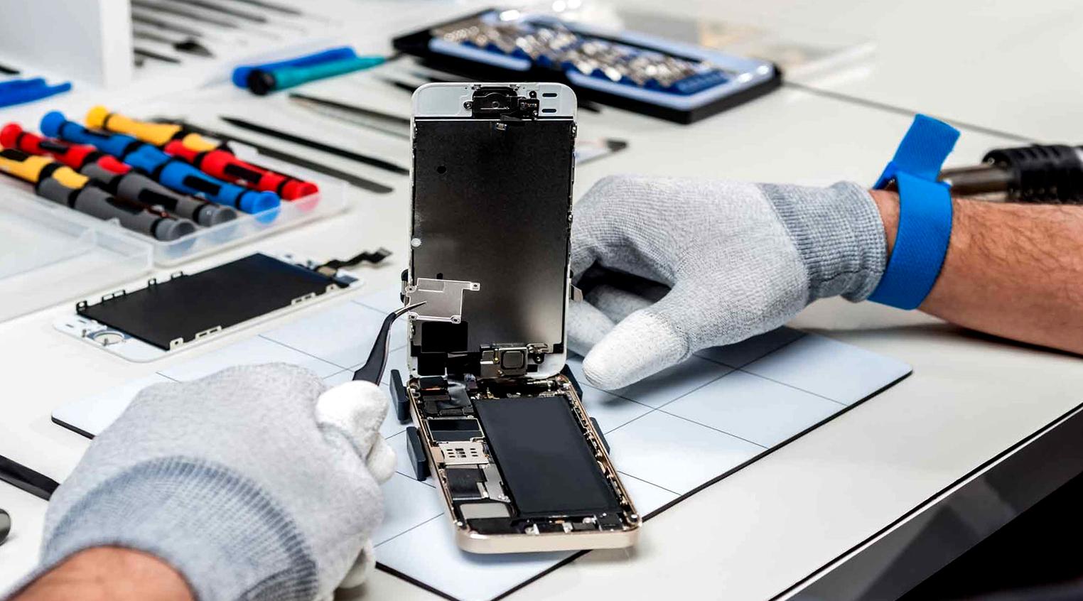 https://akkauntservis.ru/images/Apple/iphone/remont%20iphone.jpg